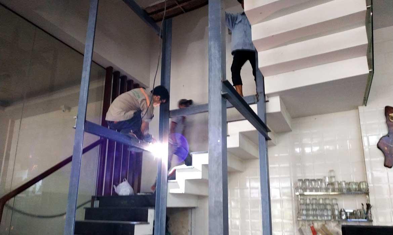khung hố thang máy bằng thép 1