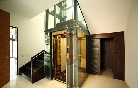 thang máy gia đình việt tiến đẹp