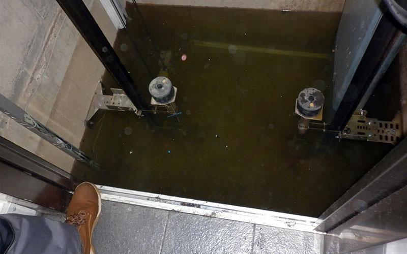 Hố PIT thang máy bị thấm