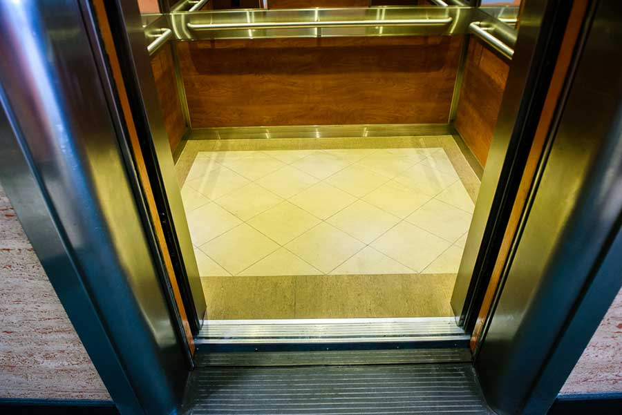 Sàn phòng cabin thang máy