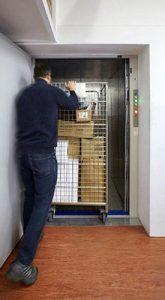 Thang máy tải hàng dùng cho xe đẩy tay